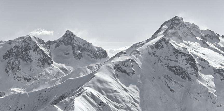 photodune-3417976-mountains-m